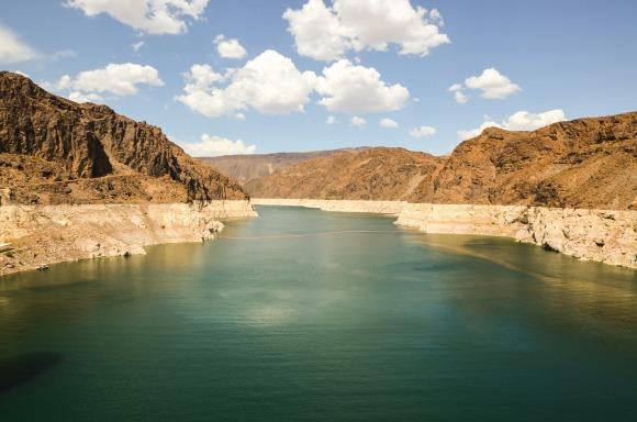 dam-1644764_1920.jpg