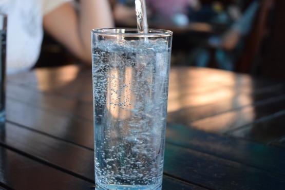 bottle-2582012_1920.jpg